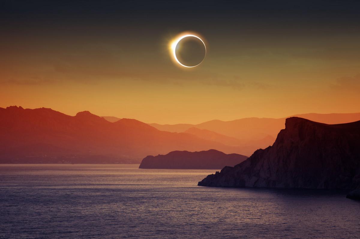 solar-eclipse-full